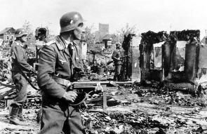 2차대전 독일군이 상징이 된 아이템 MP 40