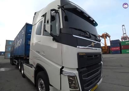[카링TV] 트럭커 경험 1박2일, 운전만 할 거란 생각은말자. 츄레가 볼보트럭 스카니아트럭 트럭에서자고먹고