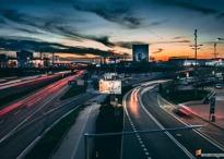 갈 길 바쁜 현대차는 최근 어디에 투자했나?
