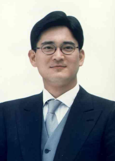 이재용 부회장은 2001년 3월 33살의 나이에 삼성전자 경영기획실 상무보로 본격적인 경영 수업에 나섰다. <한겨레> 자료사진