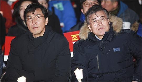 더불어민주당 대선 경선 안희정(왼쪽)후보와 문재인 후보. (자료사진) ⓒ데일리안 김나윤 기자