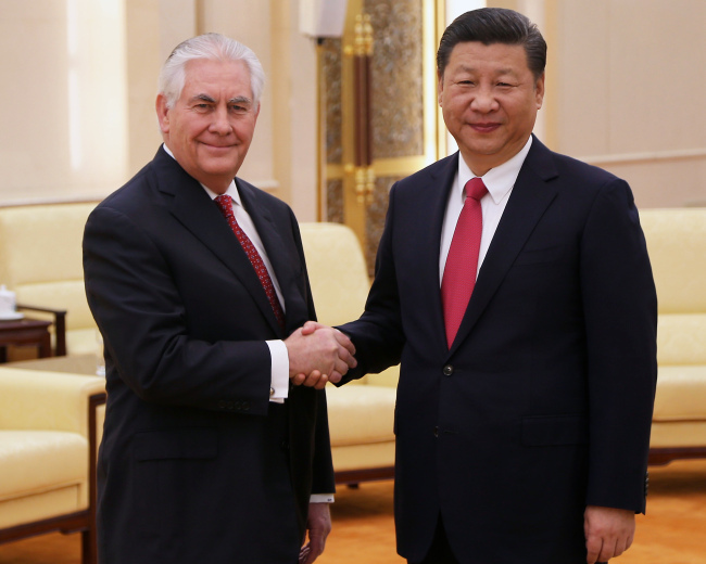 렉스 틸러슨 미국 국무장관(왼쪽)과 시진핑 중국 국가 주석[사진출처=UPI]