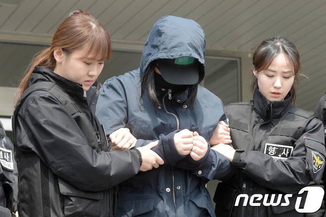 '인천 초등생 살인사건'의 공범으로 지목된 B양. 뉴스1 DB