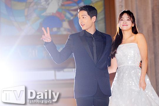 송혜교 송중기, 이예림 김영찬, 서지혜 윤성환, 이민웅, 크라운제이