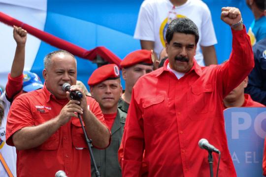 니콜라스 마두로(오른쪽) 베네수엘라 대통령/카라카스=AFP연합뉴스