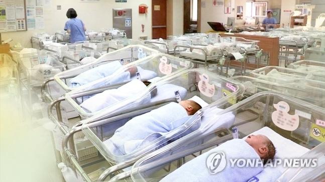 2022년부터 영아수당 월 30만원…출산 축하금 200만원