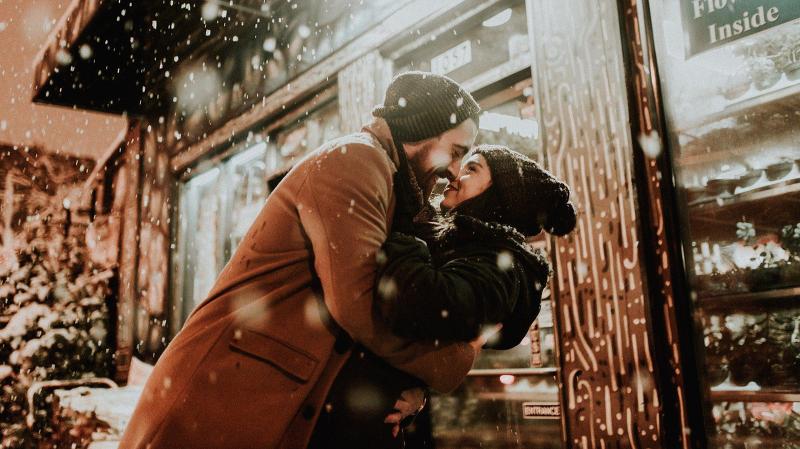 무료 소개팅 어플 :  사랑에 눈이 멀다