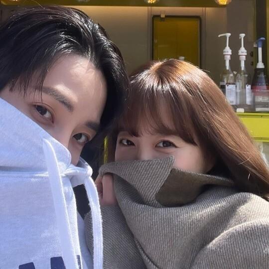 이수혁, 박보영과 밀착 셀카...연인이래도 믿겠네