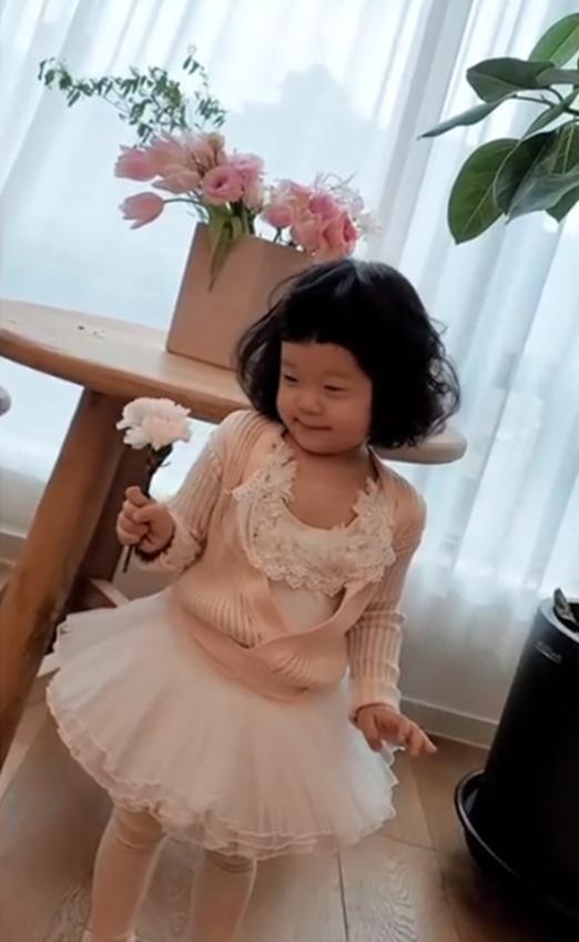백종원소유진 막내딸, 24억 집에 사는 4살 공주…머리 볶으니 귀여움 2배