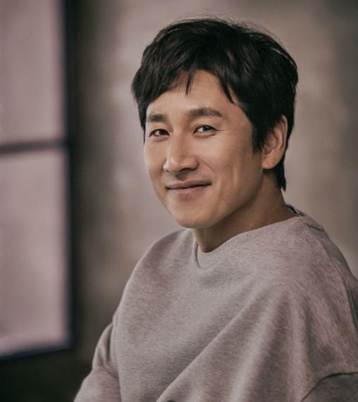 이선균 나이 프로필 키 아내 전혜진 나이차 출연영화 드라마