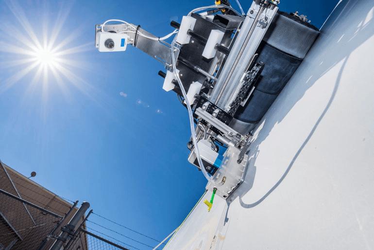 로봇 공학이 동원된 해상풍력...영국, 유지보수 로봇 도입 Ultrasonic Crawling Robots Get Down to Nuts and Bolts