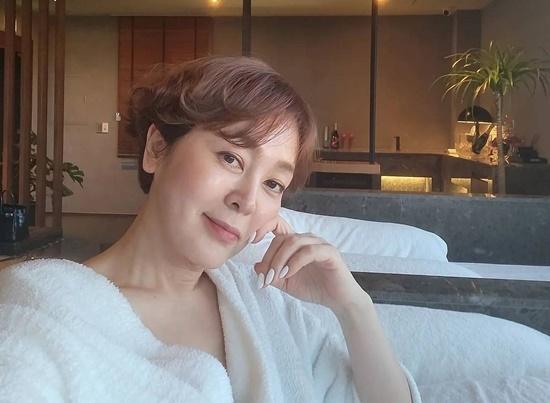 54세 이승연, 한강뷰 럭셔리 스파...