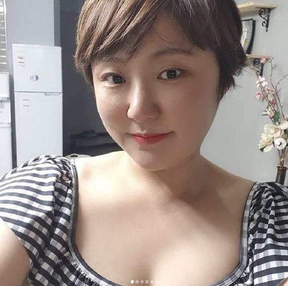 '싱글맘' 김현숙, 11kg 감량하더니 과감한 수영복 인증샷