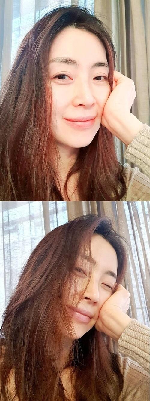 송윤아, 초근접 셀카도 아름다움 폭발..원조 도회적 미인
