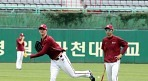 '김정인의 양보' 밴 헤켄, 변함없이 22번인 이유