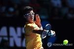 '테니스' 정현, 30위대 선수 처음 물리치고 16강행
