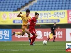 광주 '압박 축구' 최다득점 2위 상주도 '속수무책'