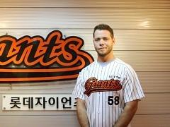 """김원형 롯데 코치 """"애디튼, 제구력-변화구 좋다"""""""
