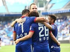 '조나탄-유주안 골' 수원, 강원과 3-3 무승부