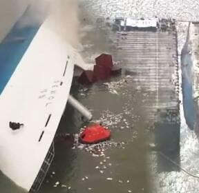 침몰 1072일 만에 올라온 세월호..슬픔의 흔적 고스란히