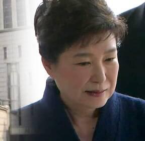 박 전 대통령, 구속 피하려면..'창 vs 방패' 전략은?