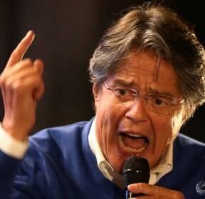 [에콰도르 대선 결선투표] 막판 역전 위해 지지 호소하는 우파 야당 후보