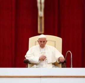 수요 일반알현 주재하는 프란치스코 교황