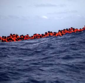 난민 2300명 스러진 '죽음의 바다' 지중해