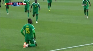 [KBS] [폴란드 VS 세네갈] 골! 치명적인 패스미스가 만든 음바예 니앙의 득점