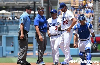 커쇼 부상 강판-잰슨 첫 블론..이겨도 찜찜한 다저스