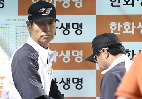 한화 김성근 감독이 말하는 권혁-김민우 부상 논란