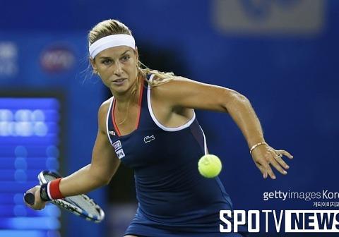 시불코바, 쿠즈네초바 꺾고 WTA 우한 오픈 결승행