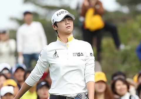 박성현, 8승 보인다..KB금융스타 3R 공동 선두