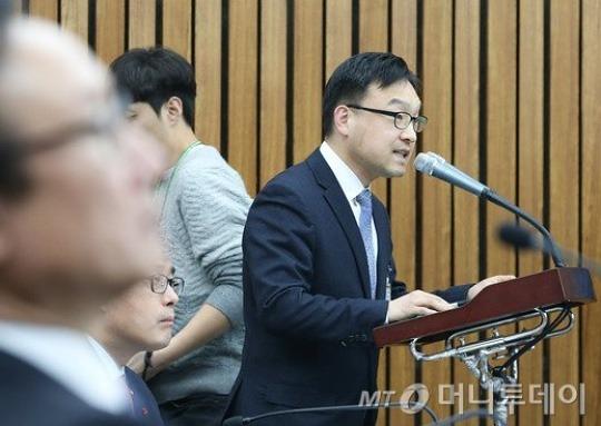靑 의무실장, 朴대통령에 태반·백옥주사 처치 인정