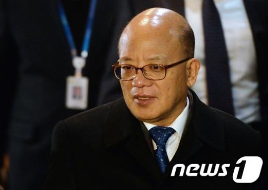 주말잊은 헌재.. 박한철 소장 오늘도 출근해 탄핵심판 준비