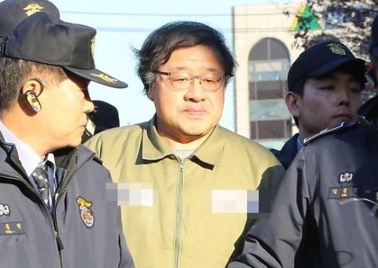 안종범, 5시간 마라톤 신문 동안 '朴전방위 개입' 인정