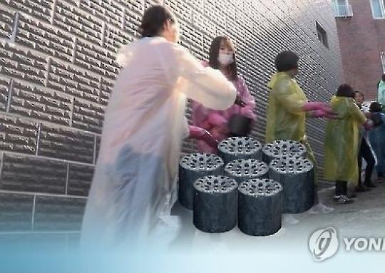 [2016 한국사회] '각박하고 살벌해진 세상'..봉사활동 줄고 범죄 늘어