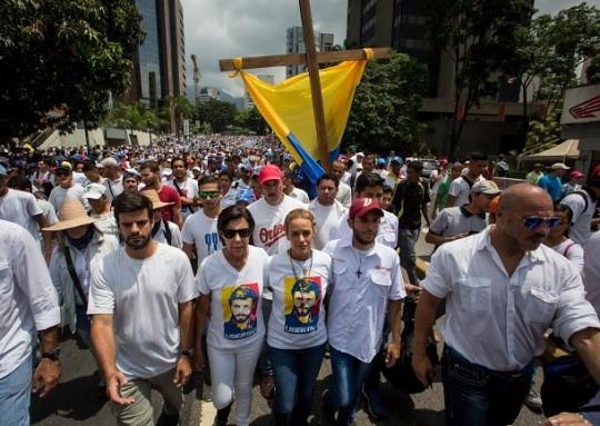 혼돈의 베네수엘라, 국제유가 변수로 작용하나