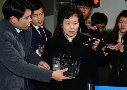 """특검 """"최순실, 장관·국립대 총장 등 인사 개입 정황"""""""