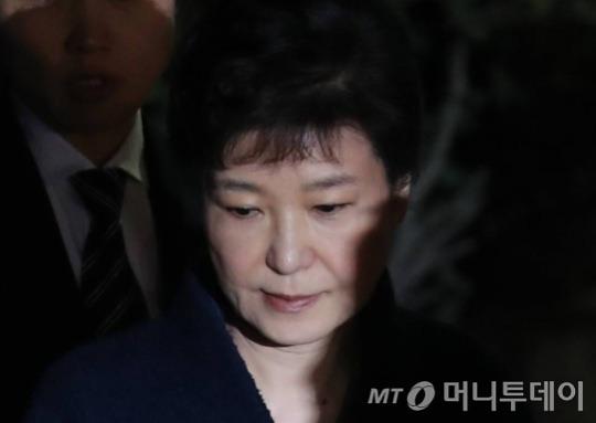 朴·禹 재판 이번주 본격화..국정농단 법원 심리 절정
