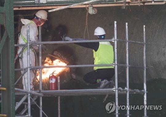 '선체절단·강한바람·천공작업' 세월호 안전 '어쩌나'