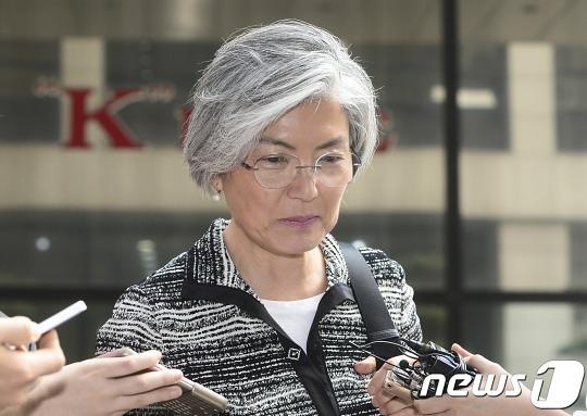 """이태규 """"강경화 장녀, 강후보 부하와 '수상한' 동업"""" 의혹"""