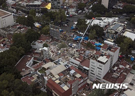 19일 멕시코 지진으로 305명 사망..이 달에만 400명 넘어