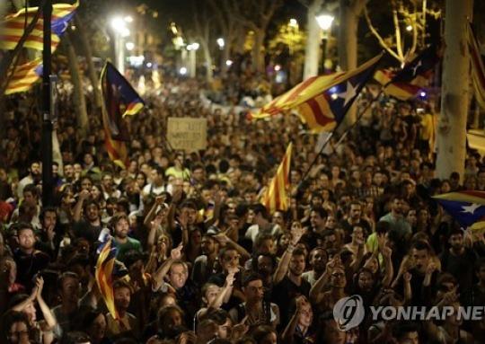 스페인, 카탈루냐 자치경찰권 일부 회수..독립투표 저지 총력