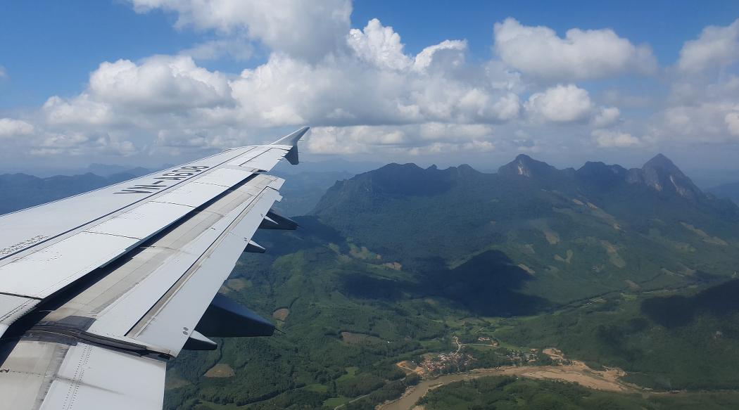 베트남 항공 VN 931   하노이 - 루앙프라방   공항 착륙 4K