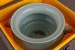 AD75. 도자기 향로  -여기저기 알튐및 가마유가 보여짐- (1.29kg)
