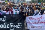 [미얀마 시민들을 향한 끊이지 않는 미얀마 군부의 총격]