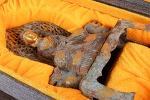 AD96. 금동 부처님 -여기저기 알튐및 산화가 보여짐- (1.4kg)