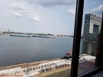 """암스테르담 새 호텔  -  물가에 짓고 있는 """"Boat&Company"""""""