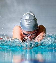 굳은 근육들 실내수영<br>으로 부드럽게 풀어봐